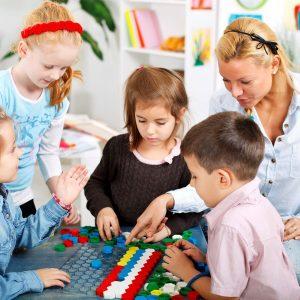 kindergarten_classroom_teacher-2880w